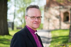 Kuvassa arkkipiispa Tapio Luoma