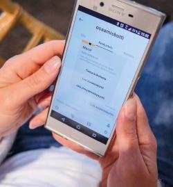 Osaamisbotti-näkymä mobiilissa. Kuva Osaamisbotti