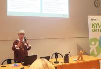Marja Irjala pitämässä puheenvuoroaan.