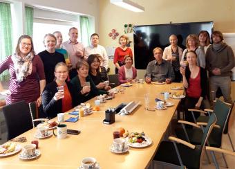 Vateslaiset kokoontuivat brunssille juhlistamaan Vatesin synttäreitä ja Miina Sillanpään päivää.