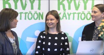 Jaana Pakarinen yhdessä Kierken Miia Nousiaisen ja Kirsi Helinin kanssa.
