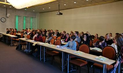 Osallistujat, yli 60 henkilöä, Tampereella.