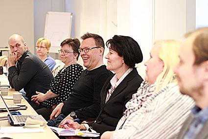 Espoon kaupungissa hankintoja tekevät henkilöt saivat lisätietoa työllistymisehdon käytöstä julkisissa hankinnoissa.