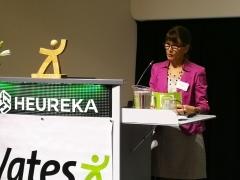 Johtaja Jaana Pakarinen avaa Vates-päivät.